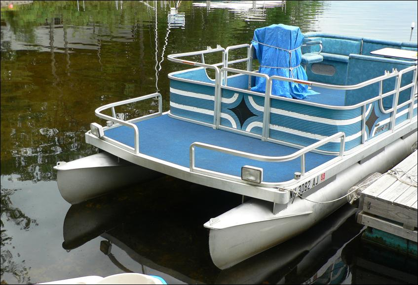 Old pontoon boats for sale in louisiana swamp